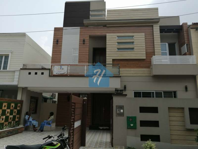 10 marla full house for rent in jasmin block bahria town lahore
