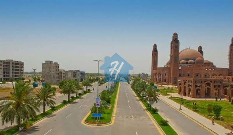 8 Marla Plot For Sale in Quaid Block Sector E, Bahria Town Lahore
