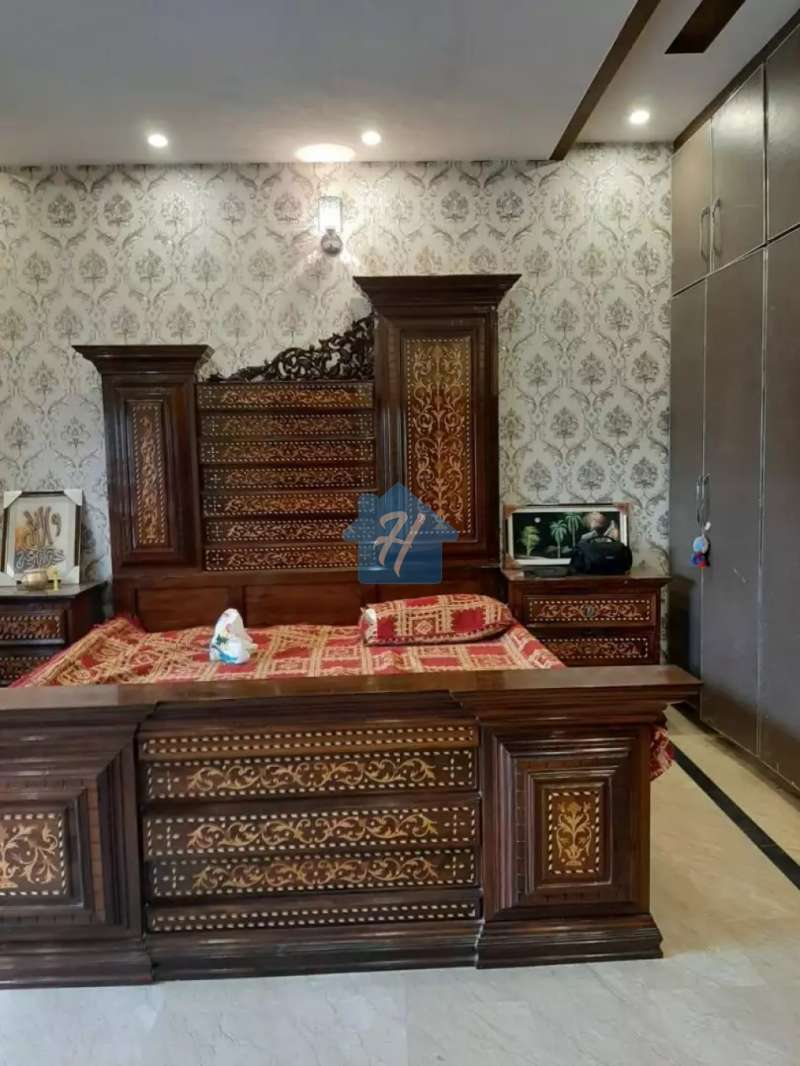 10 Marla Like New House Shaheen Block Sector B Bahria Town Lahore